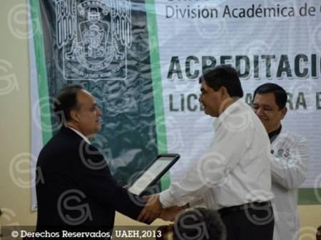 acreditacion licenciatura uat