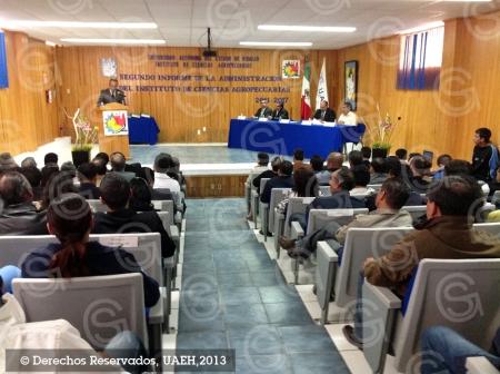 Director de ICAp rinde informe de actividades