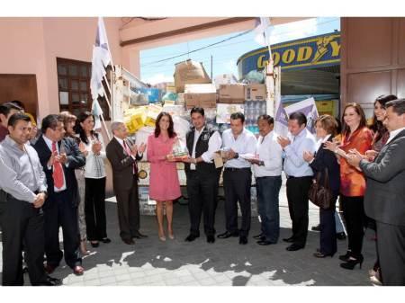 delegados federales entregan donativo al dif