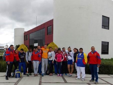 arriban participantes al festival de judo