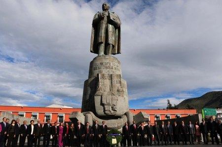 Realizan en Pachuca Guardia de honor por el Día del Abogado