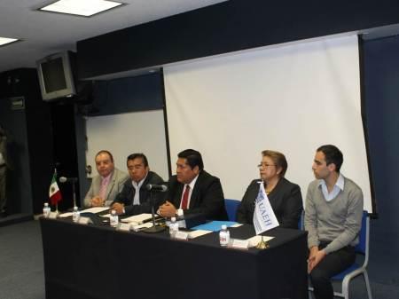 representantes del icshu en conferencia de prensa