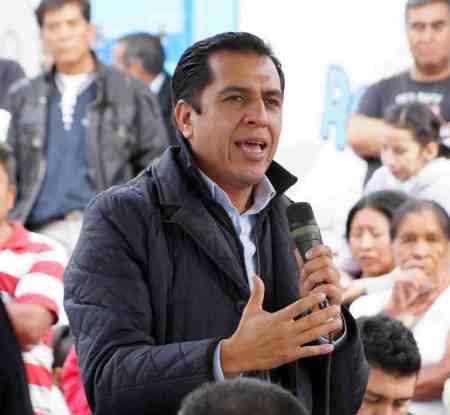Ricardo Crespo se reúne con priistas de Mixquiahuala
