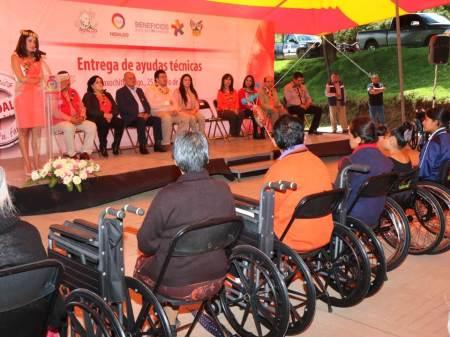Beneficia DIF con ayudas técnicas a 59 habitantes de Acaxochitlán2.jpg