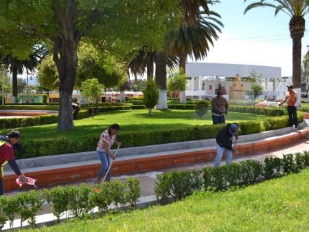 en-san-salvador-la-alcaldia-contribuye-a-diario-para-hace-posible-areas-verdes-y-espacios-libres-limpios2