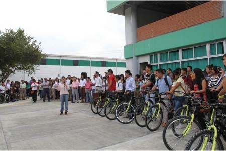Sendero común une escuelas de tres niveles en la Huasteca.jpg
