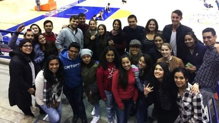 alumnos-de-movilidad-apoyan-a-las-garzas-de-plata