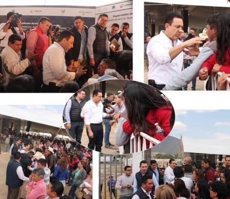 Decenas de habitantes de Tepeapulco fueron atentidos por el gobernador Omar Fayad