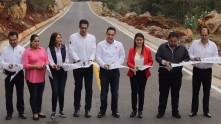 Inaugura Omar Fayad obras importantes para habitantes de la Misión y Jacala10