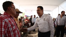 Inaugura Omar Fayad obras importantes para habitantes de la Misión y Jacala2