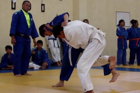 Judokas hidalguenses y de Jalisco realizan campamento en el CEAR