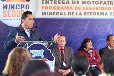 "Opera ""Municipio Seguro"" en colonia 11 de Julio; alcalde Raúl Camacho entrega motopatrullas para este sector4"