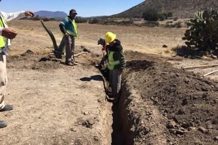 Reconstruyen pavimento asfáltico en la carretera estatal Santa María Tecajete a Zempoala.jpg