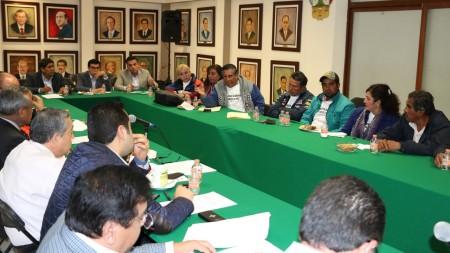Secretario de Gobierno atiende a comuneros de Tlaxcoapan2.jpg