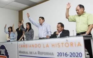 Aprueba cabildo material informativo dirigido a comerciantes de Mineral de la Reforma 4