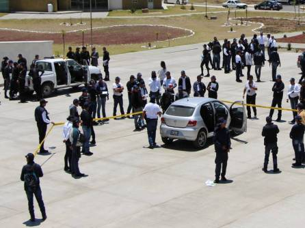 Cadetes del IFP y policías estatales reciben capacitación de PGR 1