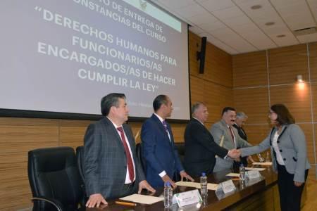 Clausuran cursos sobre Derechos Humanos impartido a personal de la PGJEH