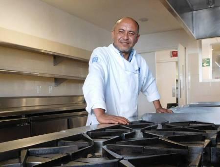 Comparte Chef de UAEH recetas sanas y económicas