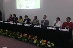 Participan profesores en Coloquio de matemáticas y física UAEH