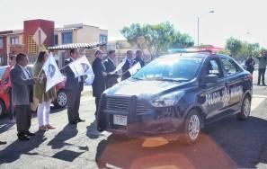 Raúl Camacho entrega patrulla del programa Municipio Seguro a vecinos de Hacienda Margarita4