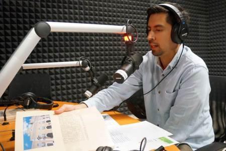 Transmite Radio Huejuetla programa del British Council