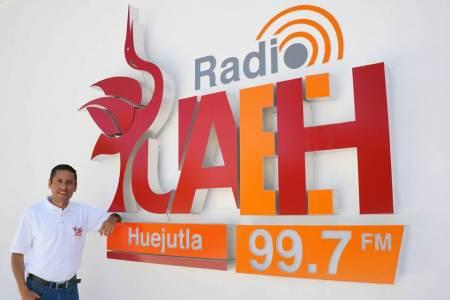 Transmite Radio Huejuetla programa del British Council2