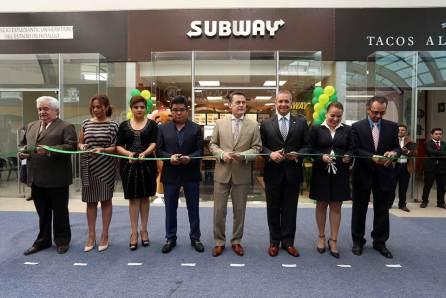 Abre Subway sucursal en Pabellón UAEH4