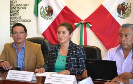 América Juárez García, viaja a tierras orientales