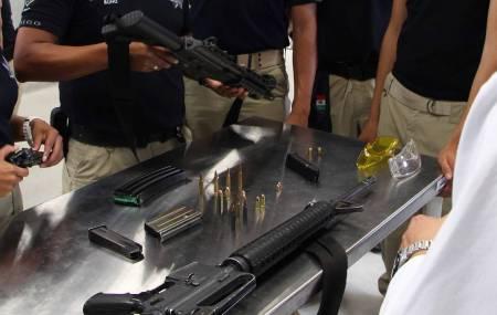 Capacitan a policías estatales y cadetes del IFP en Balística Forense.jpg
