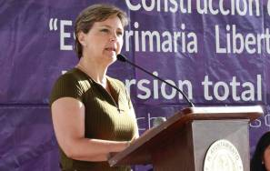 Entrega Yolanda Tellería obra sanitaria en plantel educativo de La Raza1