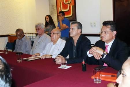 Firman convenio autoridades con empresa alemana que instalará en Hidalgo taller para reparar equipo médico.jpg