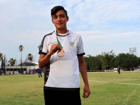 Francisco Sánchez se despide del Nacional Juvenil con medalla de bronce1.jpg