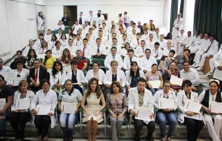 IMSS Hidalgo reconoce a médicos y enfermeras que realizan actividad docentes4