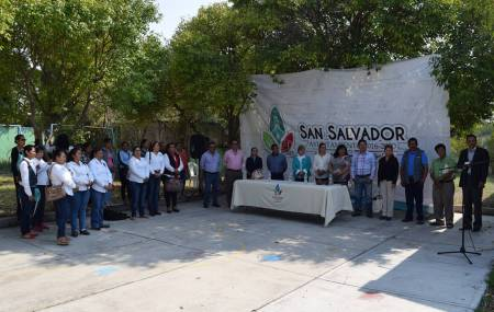 Instituto Hidalguense de Educación entrega inmueble al municipio de San Salvador1.jpg