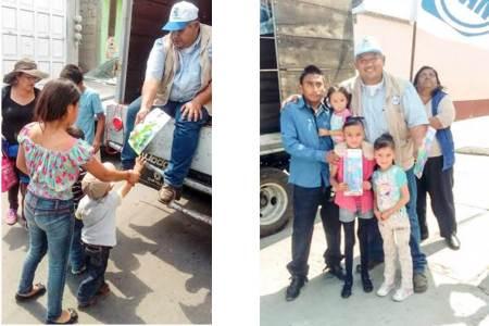 Lleva García Vázquez regalos para dar felicidad a niños de Zapotlán de Juárez y Villa Tezontepec.jpg