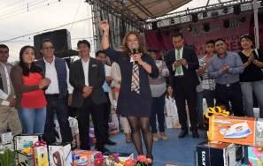 Más de 5 mil madres de familia fueron festejadas en el municipio de San Salvador 4