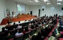Participan 345 universitarios en congreso de Comercio Exterior en ICEA5