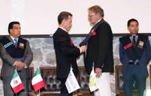 Reconoce UAEH a Oliviero Toscani como profesor honorario visitante 3