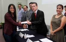 Renueva UAEH convenios con AIMMGM y entrega becas a alumnos 4