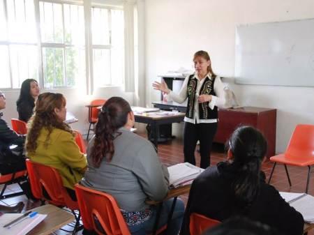 Sayonara convivió con estudiantes y docentes de la UPN-Hidalgo.jpg