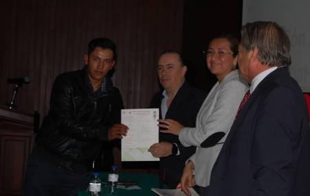 SEPH entrega certificados de preparatoria abierta1