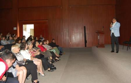 SEPH imparte conferencia por el Día de la Madre.jpg