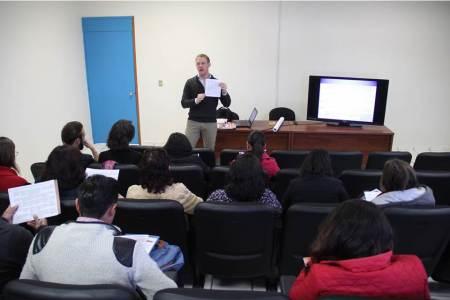 Abre UAEH círculos de conversación de inglés y vocabulario para trabajadores