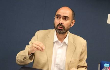 Académico chileno imparte conferencia en ICSHu2