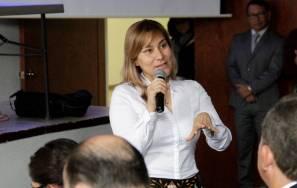 Asiste Sayonara Vargas a conferencia sobre 1