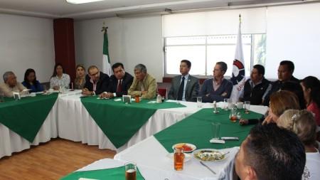 Autoridades municipales informan a industriales sobre avances en materia de Seguridad Pública1