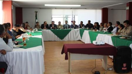 Autoridades municipales informan a industriales sobre avances en materia de Seguridad Pública2.jpg