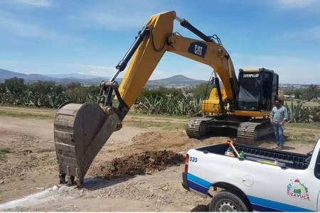 CAAMTH construye drenaje sanitario en la calle Margarito Rodríguez Jacinto