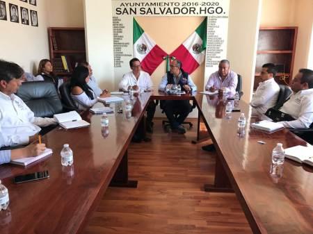 Capacitan en San Salvador a funcionarios y delegados municipales para evitar violar derechos humanos