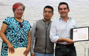 Comparte Abraham Ramos poesía de Margarita Michelena con universitarios1